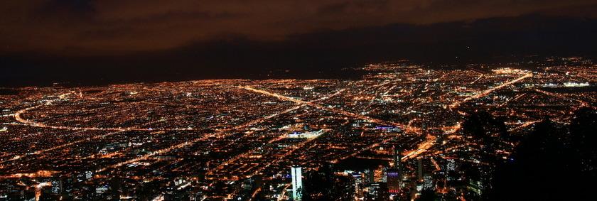 Reisen nach Kolumbien | Bogota bei Nacht